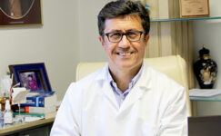 """Prof. Dr. Demirer """"Kanser hastalarının önce aşılanması gerekir"""""""