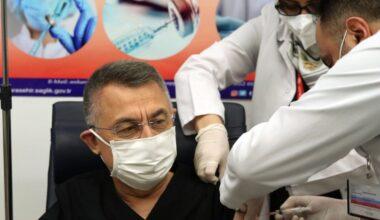 Cumhurbaşkanı Yardımcısı Fuat Oktay, Covid-19 aşısı oldu