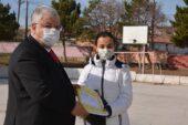 Yozgat İl Milli Eğitim Müdürü köy okullarında eğitim gören öğrencilere ulaştı