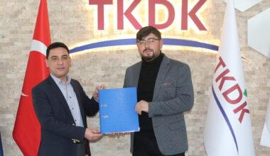 """Selim Türker, """" 500'üncü proje ile sözleşme imzaladı"""""""