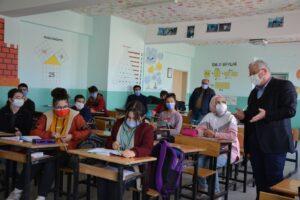 Yazıcı, ilçelerde okul ziyaretlerini sürdürüyor